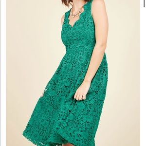 ModCloth Lace Scalloped Dress in Emerald